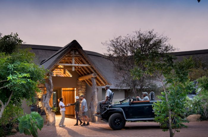RockFig-Safari-Lodge_Welcome-at-entrance1-1